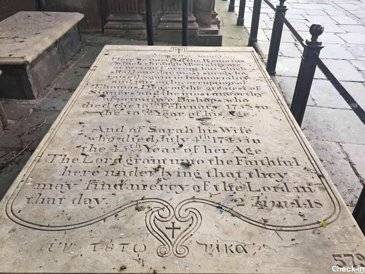 Lapide giacobita presso la St Ann's Church di Manchester