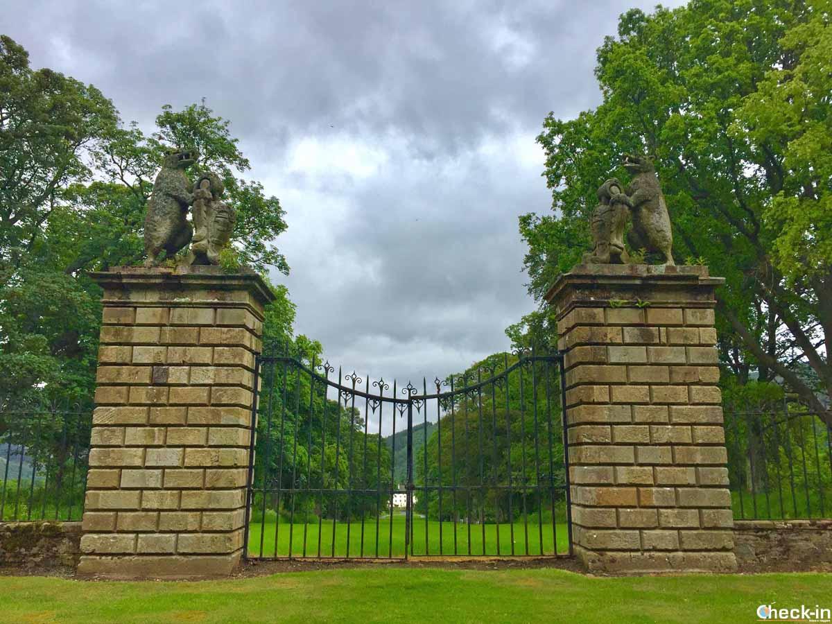 Il Bear Gates a Traquair House, chiuso dal 1745