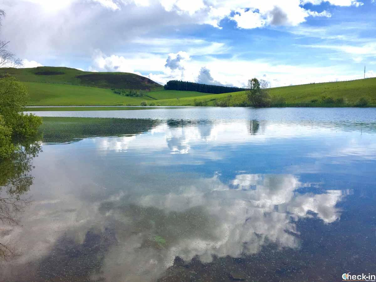 Panorami dalla Scozia meridionale: il Cauldshiels Loch