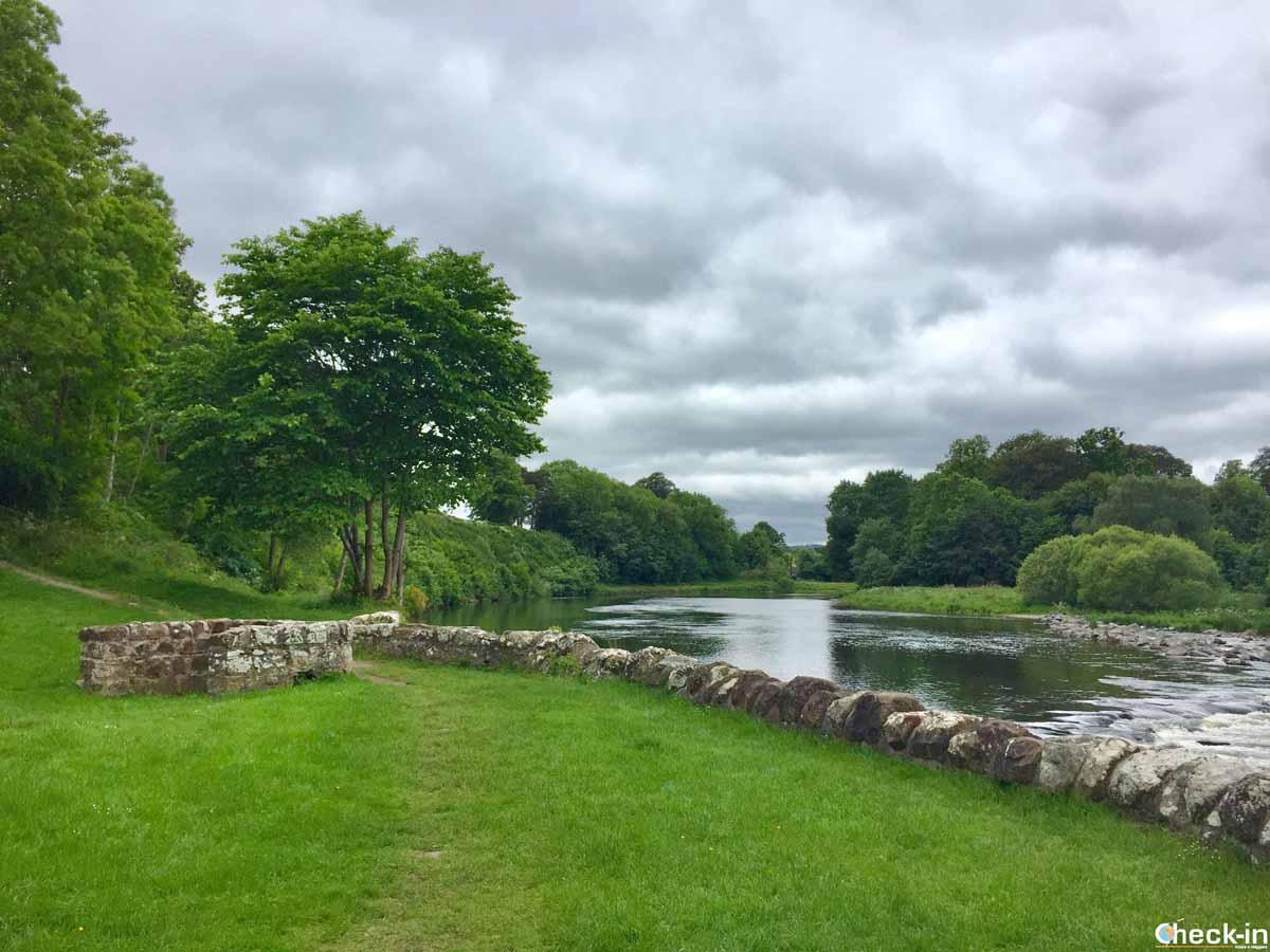 Il fiume Tweed a Melrose (Scozia)