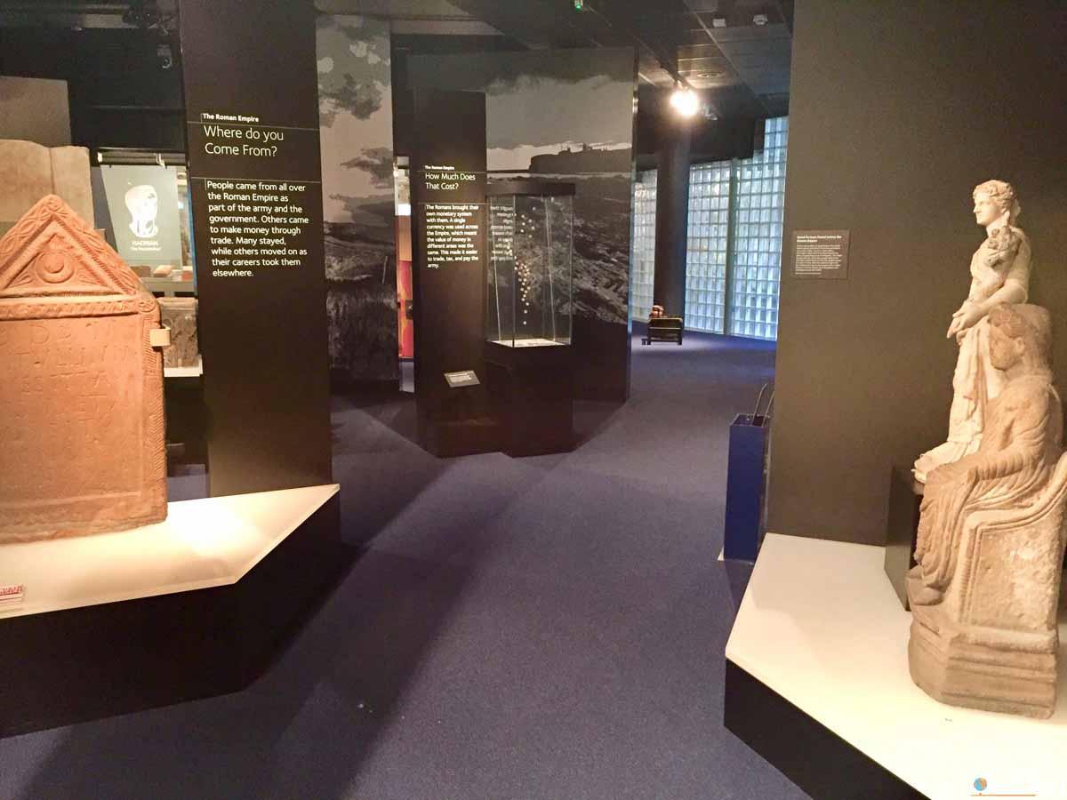La sezione romana nel museo Tullie House di Carlisle