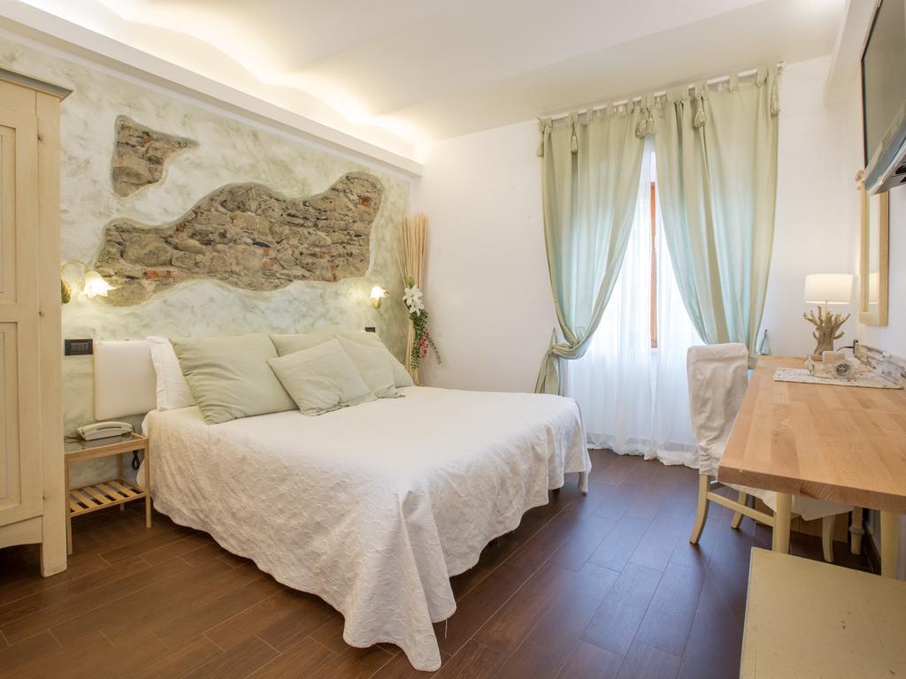 Camera matrimoniale - Hotel Marina a Monterosso
