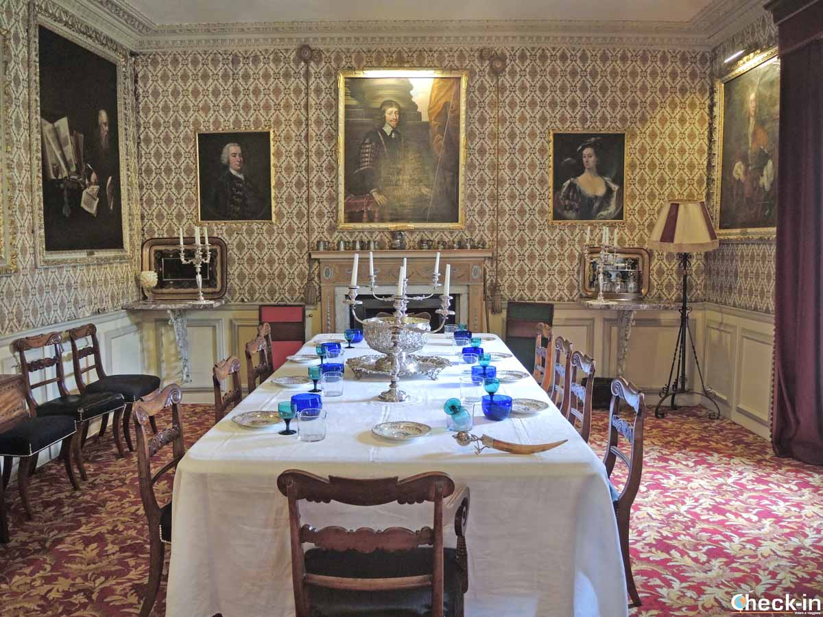 Dining Room - Traquair House (Scottish Borders)