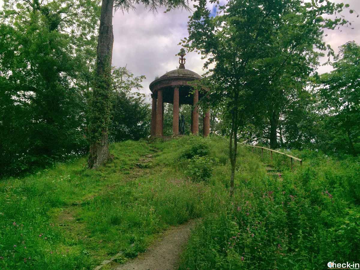 Il tempio delle muse a Dryburgh (Scozia)