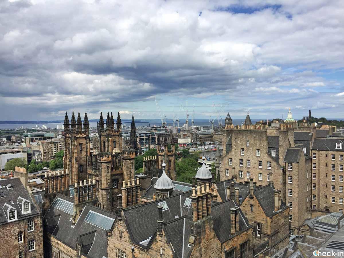 Edimburgo e la Old Town visti dalla Camera Obscura