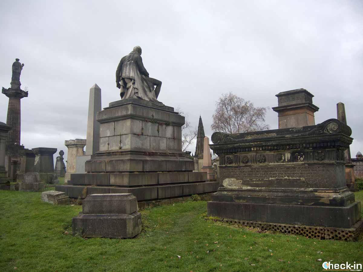 Attività da fare ad Halloween in Scozia: visitare i cimiteri