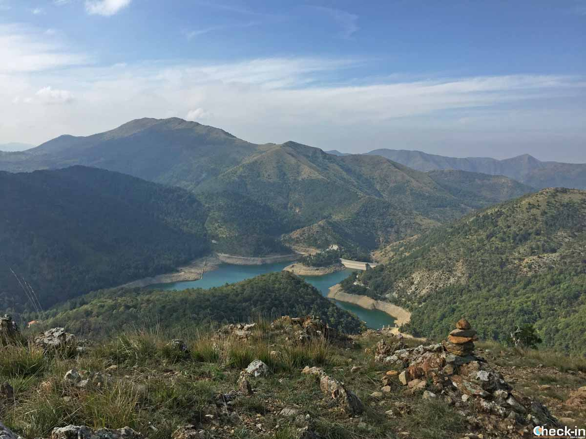 Escursione ai Laghi del Gorzente (Liguria) - Panorama dal Bric Nasciu