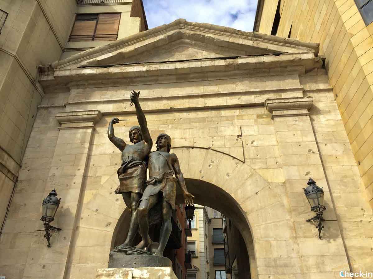 Monumento ibero all'ingresso del centro storico di Lleida