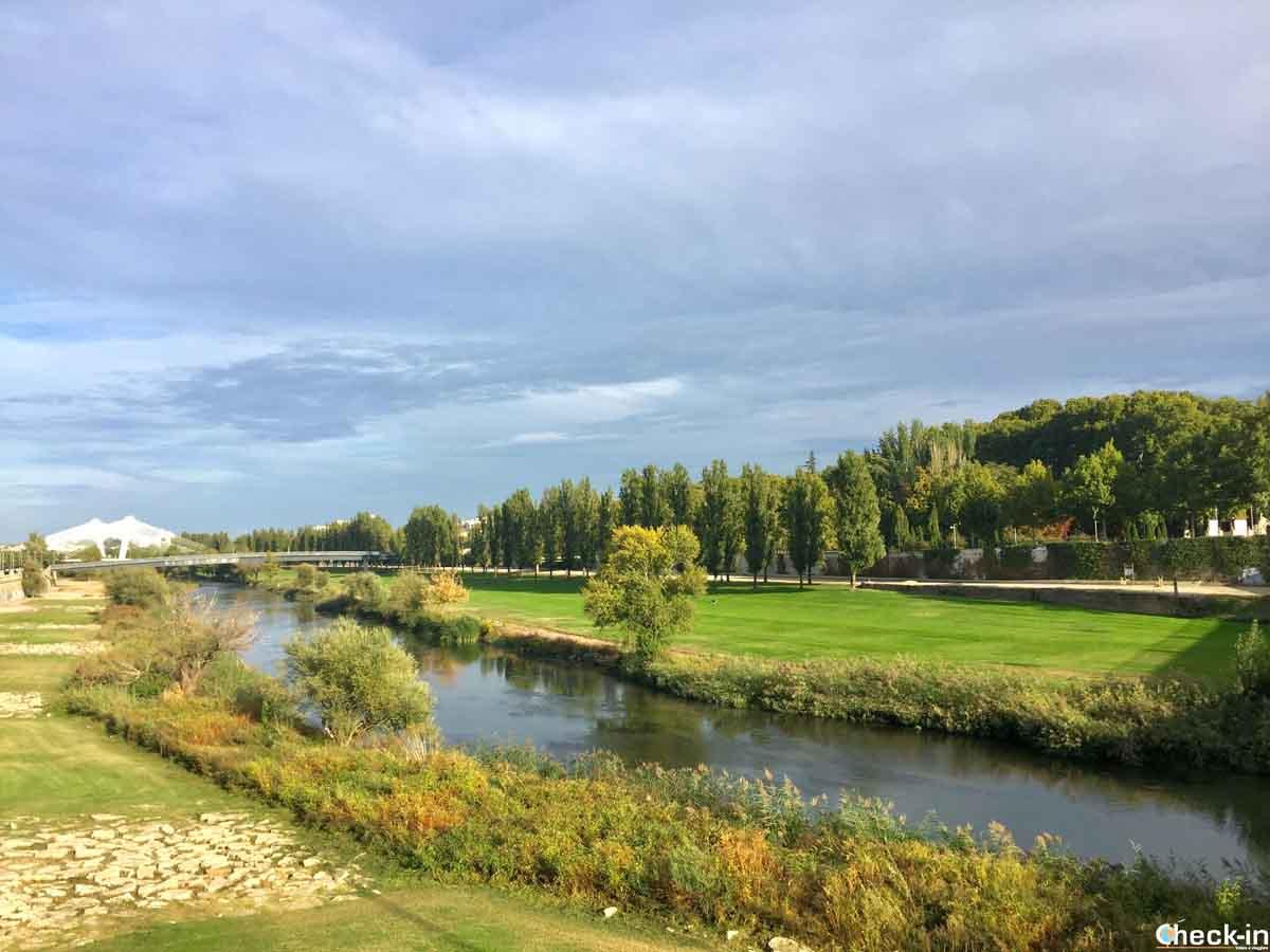 Aree verdi vicino al centro di Lleida - Fiume Segre