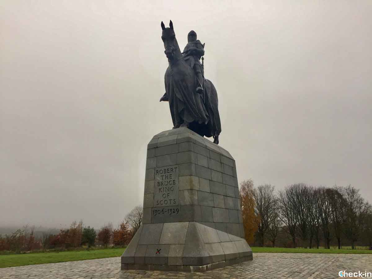 Statua di Re Robert The Bruce sul campo di battaglia di Bannockburn