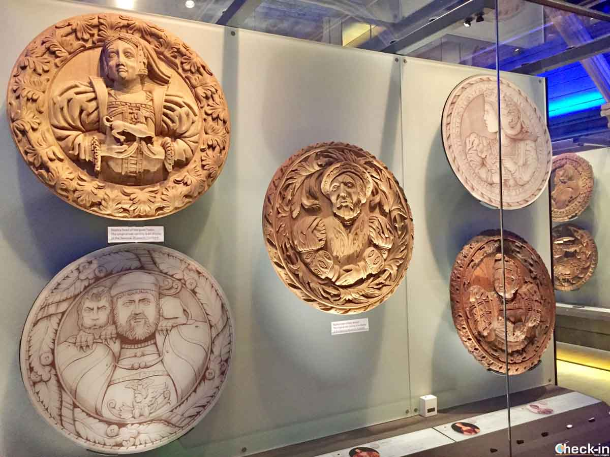 Le Stirling Heads conservate nel museo del Palazzo Reale.