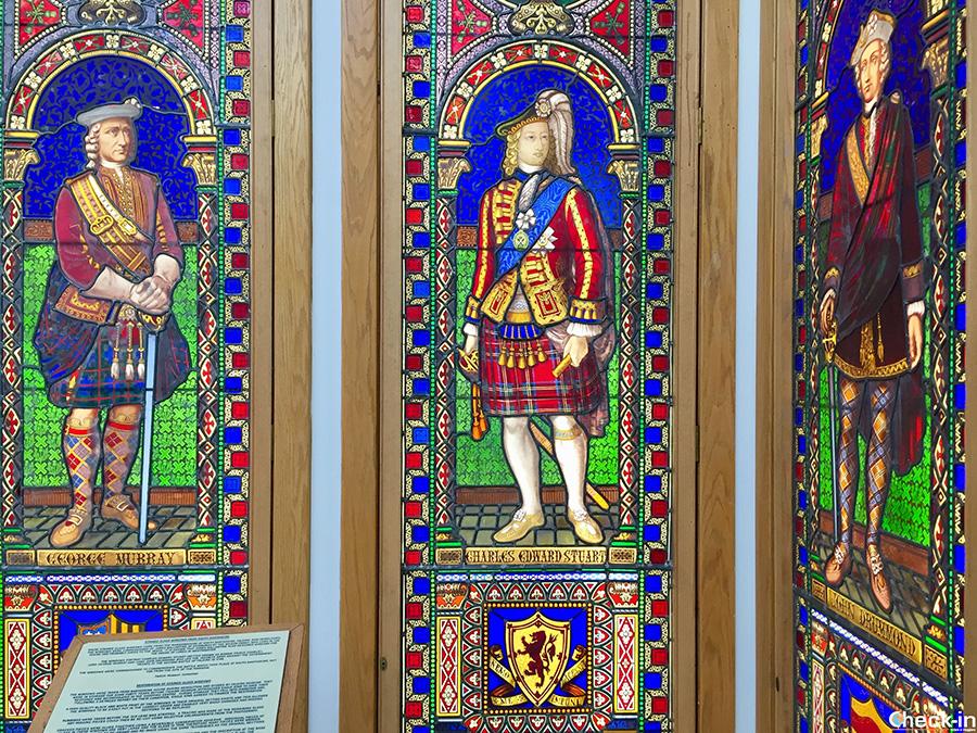 Le vetrate colorate che celebrano i vincitori della battaglia di Falkirk del 1746