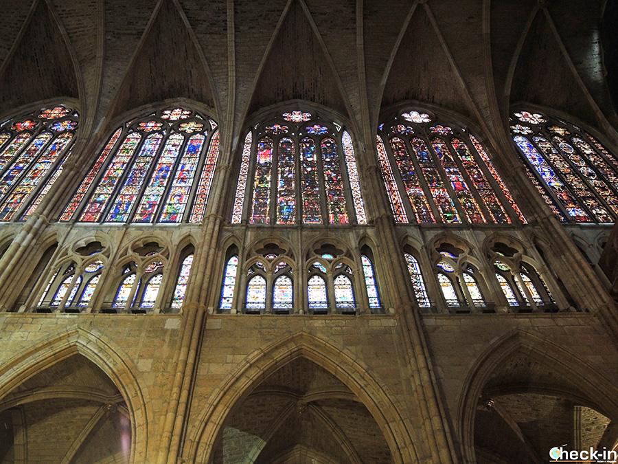 Sezione delle vetrate della Cattedrale di León - Castiglia, Spagna