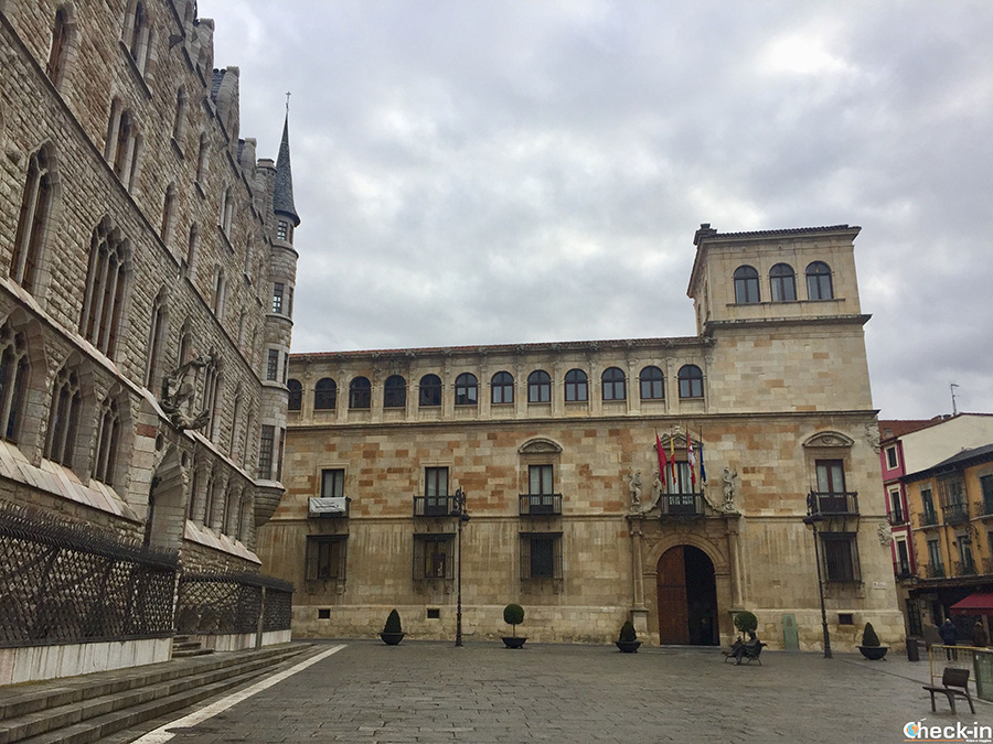 Itinerario para visitar León - Palacio de los Guzmanes