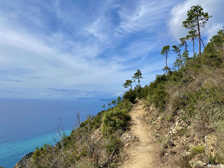 Escursione costiera tra Levanto e Monterosso (provincia di La Spezia)