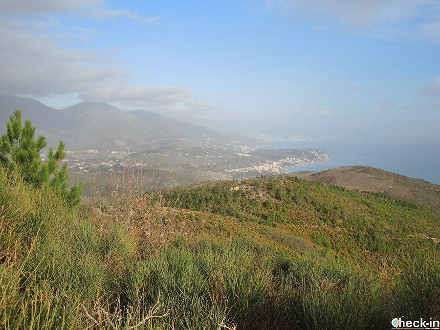 Trekking da Varazze al Santuario della Guardia (Monte Grosso)