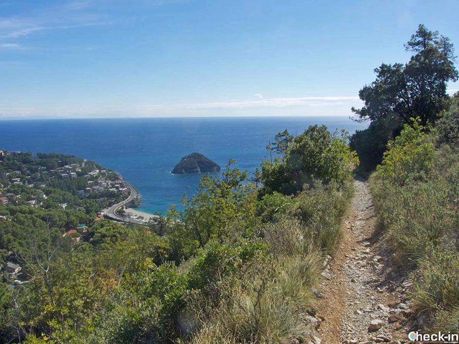 Escursione costiera da Spotorno a Bergeggi