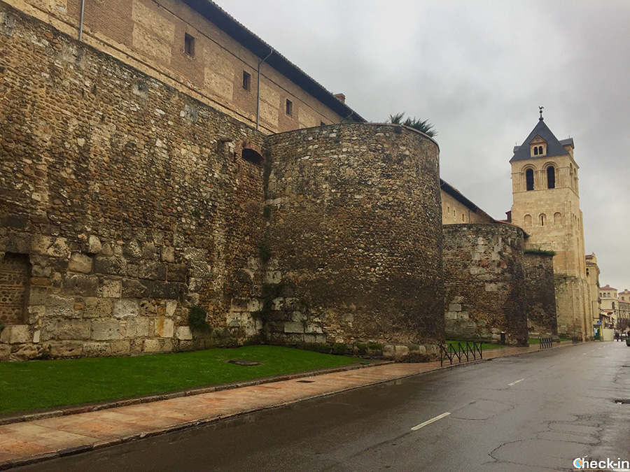 Murallas romanas en pleno centro histórico de León