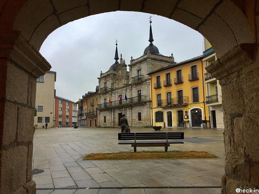 Ruta turística en Ponferrada - Plaza del Ayuntamiento y Casa Consistorial