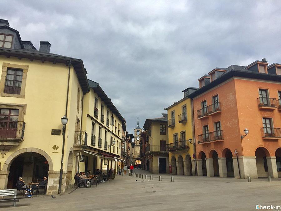 Calle del Reloj - Casco viejo de Ponferrada (España del norte)