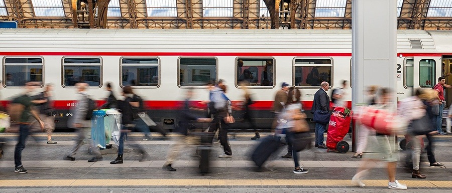 Arrivi e partenze dalla Stazione Centrale di Milano - Lombardia (Italia del nord)