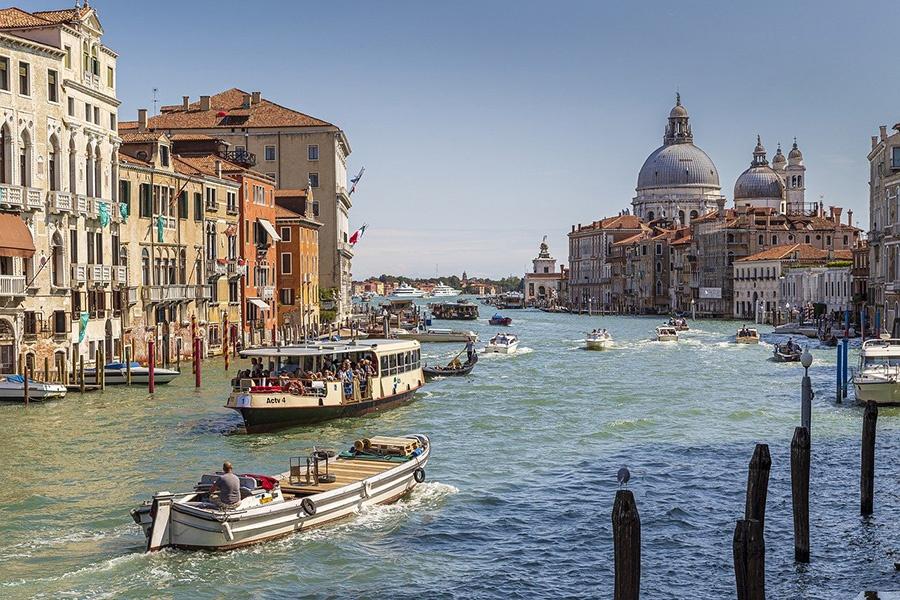 Esplorare il centro storico di Venezia in vaporetto