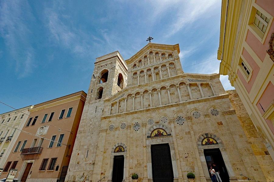 Visita guidata nel centro storico di Cagliari, il capoluogo della Sardegna