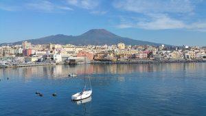 Come arrivare a Napoli in nave (e con gli altri mezzi di trasporto)