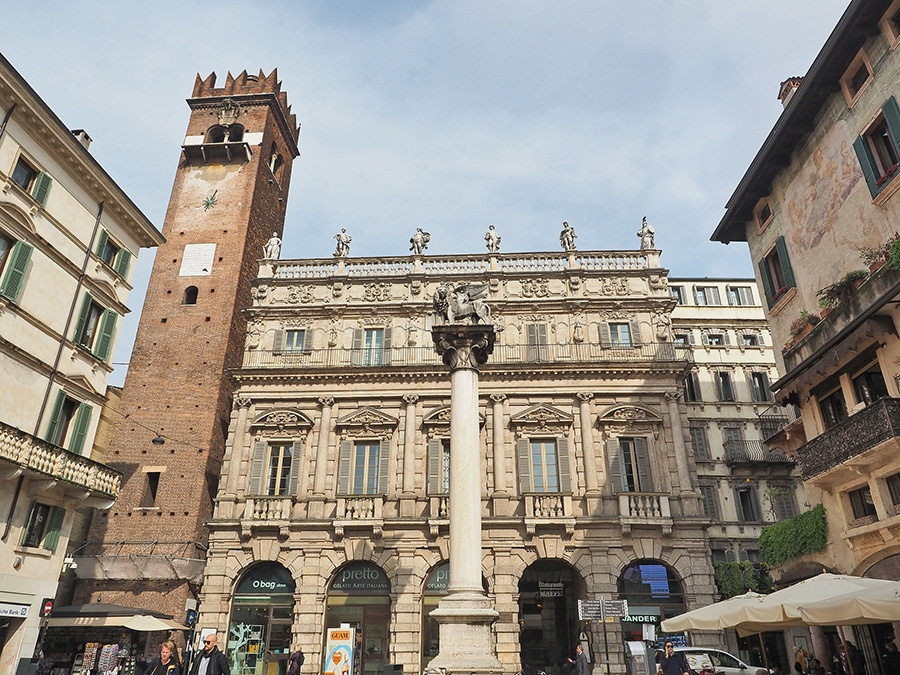 12 cose da fare e vedere a Verona: Piazza delle Erbe