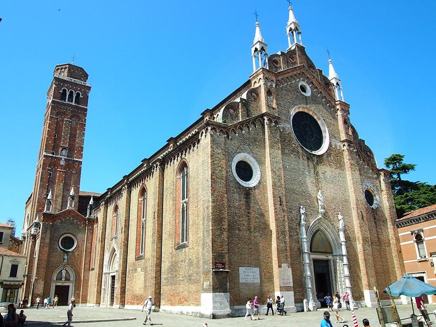 Cosa vedere nel centro storico di Venezia: Basilica di S. Maria Gloriosa dei Frari