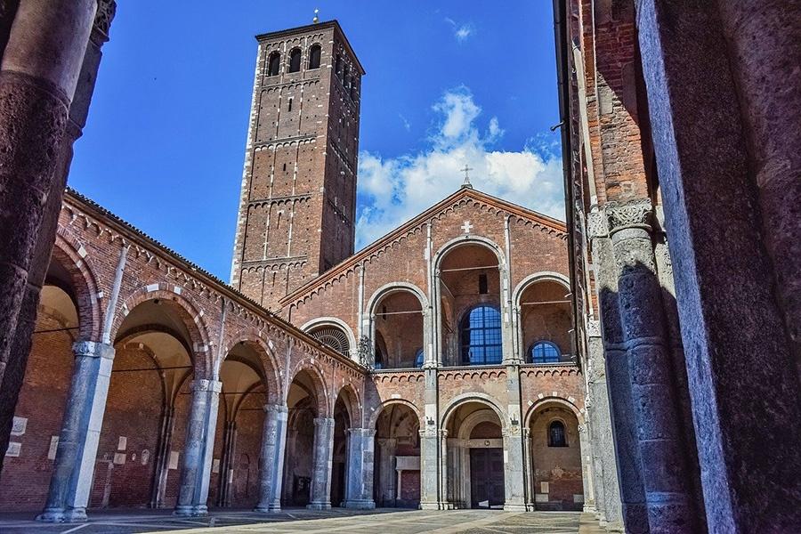 11 luoghi da vedere a Milano: Basilica del patrono Sant'Ambrogio