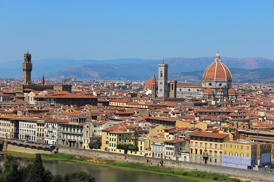 "Panoramic view of Florence historic centre from ""Piazzale Michelangelo"""