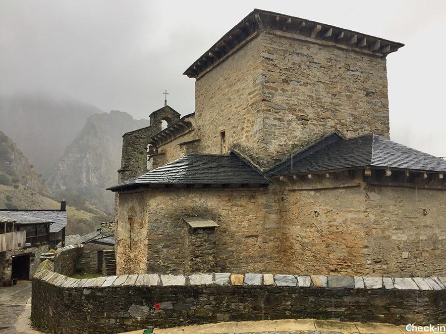 Iglesia mozárabe de Peñalba de Santiago - Ponferrada (Castilla y León)