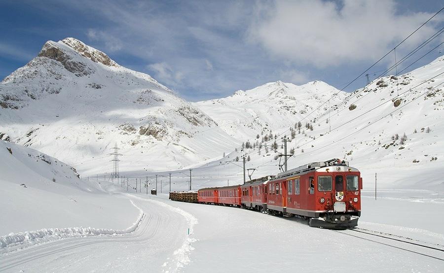 Escursione organizzata da Milano con il treno Bernina Express a St Moritz