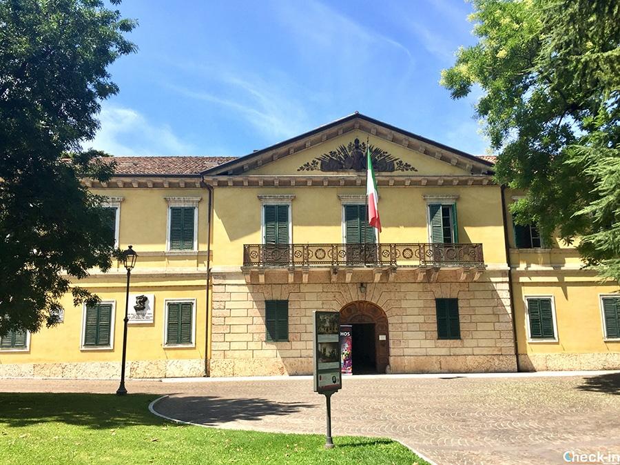 Edifici militari nel centro storico di Peschiera del Garda (Veneto)