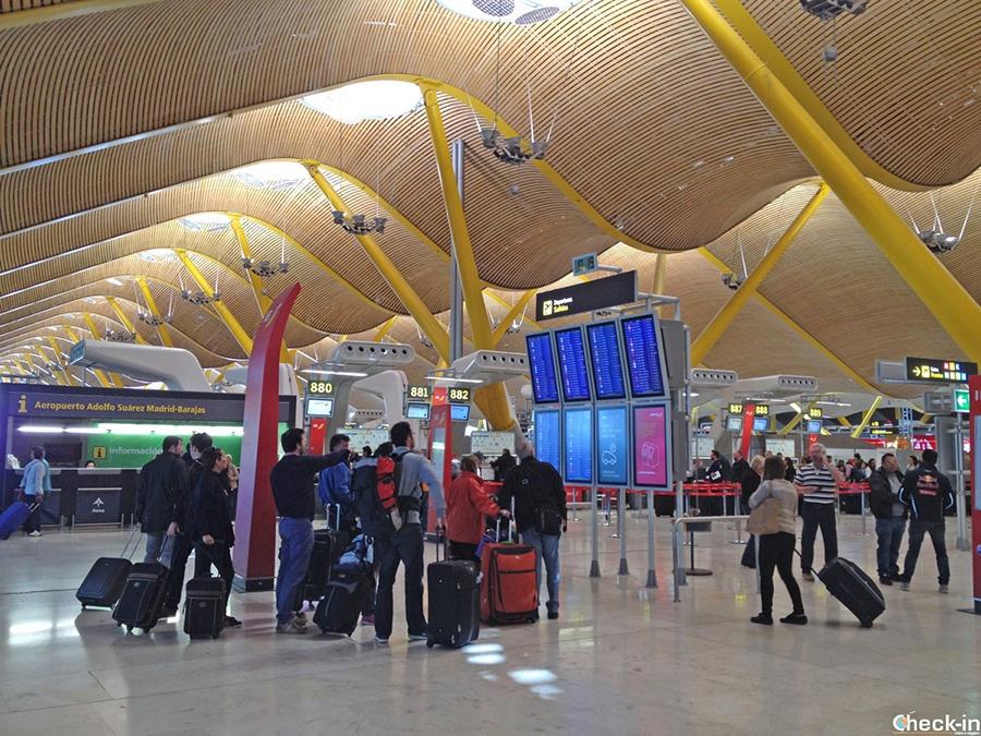 Informaciones sobre las Terminales del Aeropuerto Adolfo Suárez Barajas de Madrid (España)