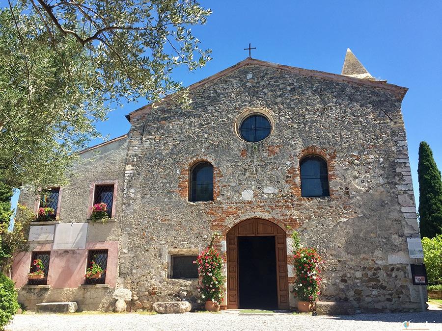 Top attractions in Sirmione Peninsula: S. Pietro in Mavinas church