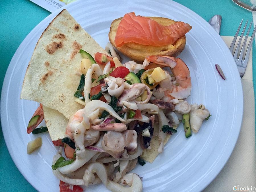 Traditional Scottish food around Lake of Garda: Iona Seafood Pub in Peschiera