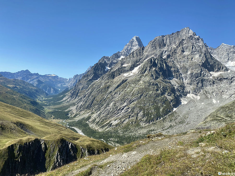 Panorama cima del Col Gran Ferret - Confine tra Italia e Svizzera