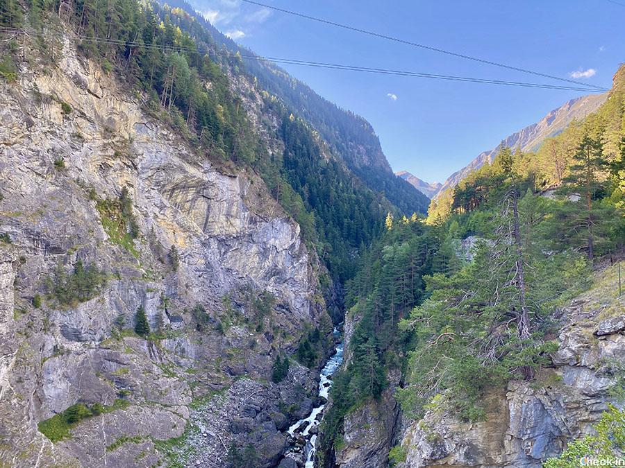 Attività outdoor al Parco Avventura Mont Blanc di Pré-Saint-Didier - Carrucola più alta e lunga d'Europa