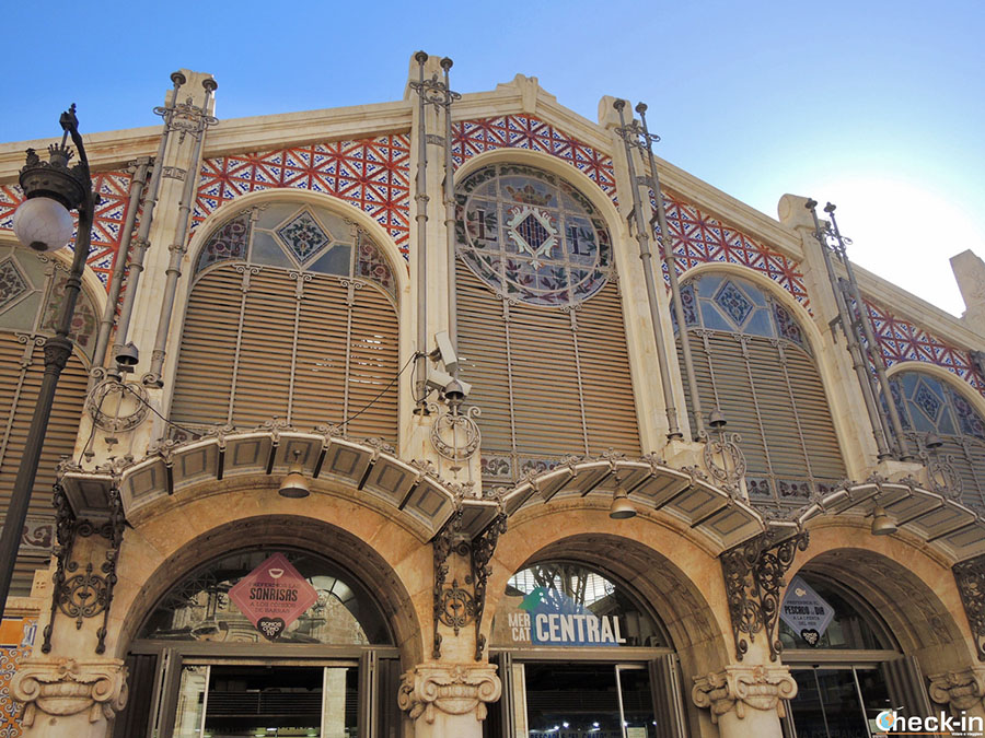Ruta modernista en pleno centro de Valencia: el Mercado Central