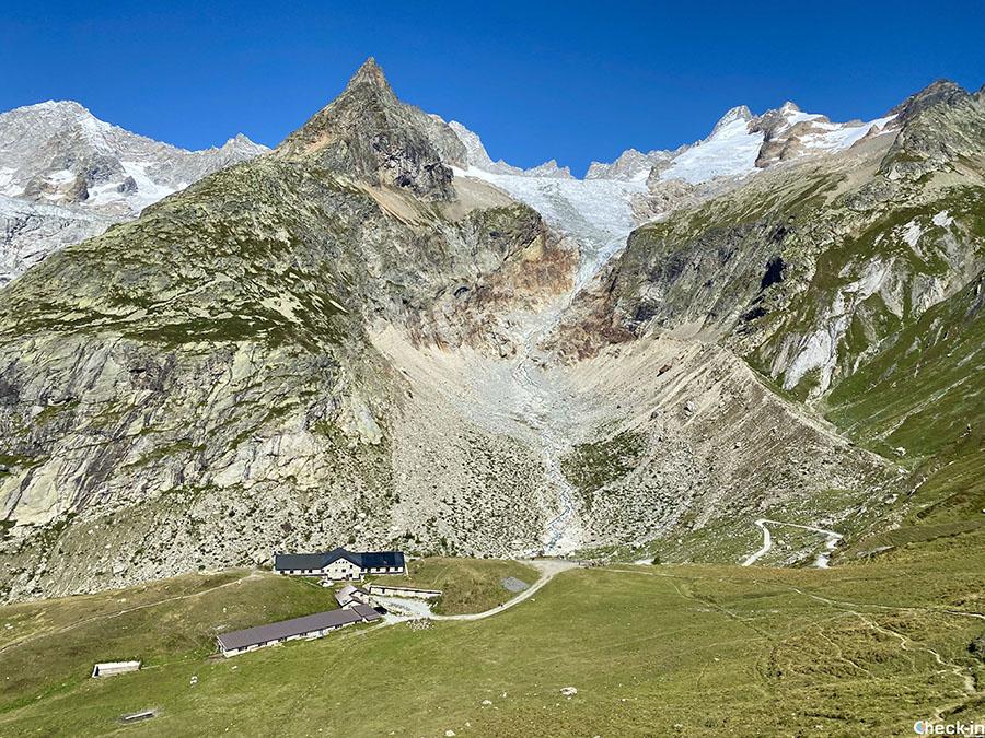 Salita dal Rifugio Elena al Col Gran Ferret in Valle d'Aosta