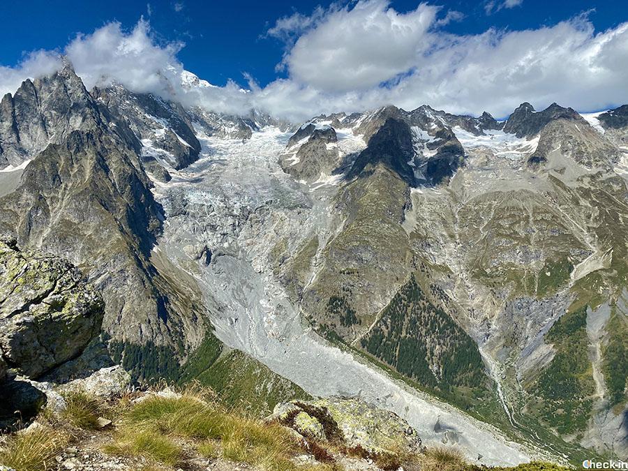 Massiccio del Monte Bianco e Ghiacciaio della Brenva visti dal Mont Chetif (Val Veny)