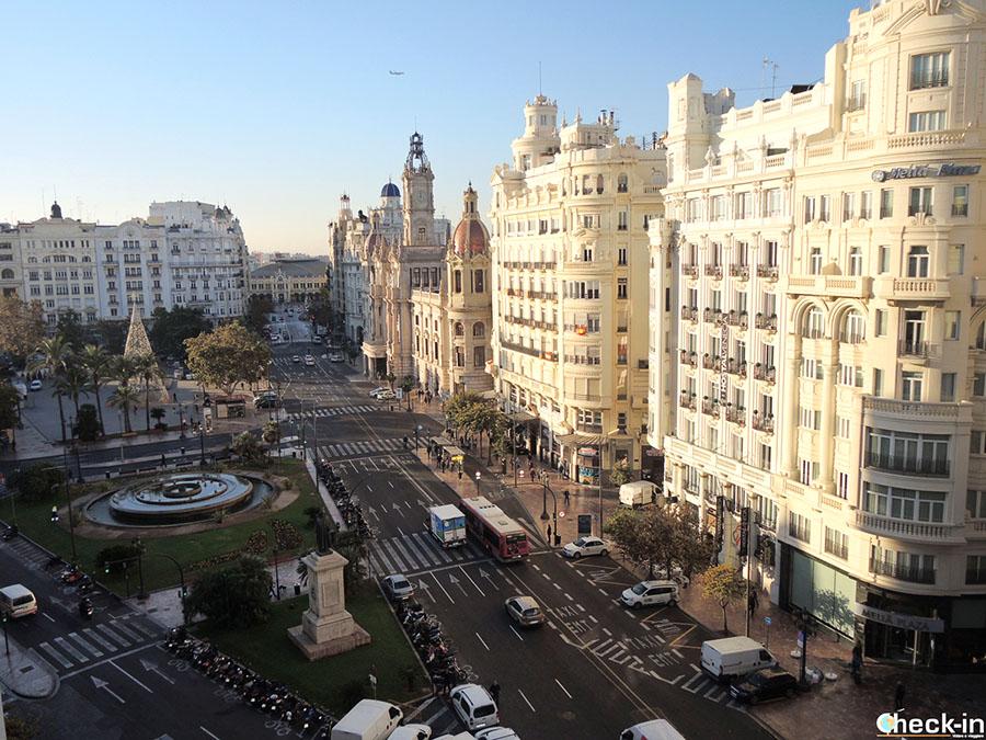 Lugares emblemáticos en Valencia: Plaza del Ayuntamiento (España del sur)