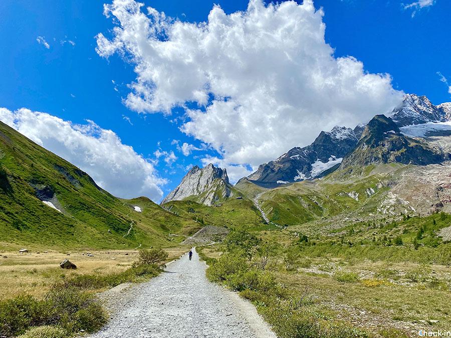 Trekking dal Lago Combal al Rifugio Margherita - Val Veny