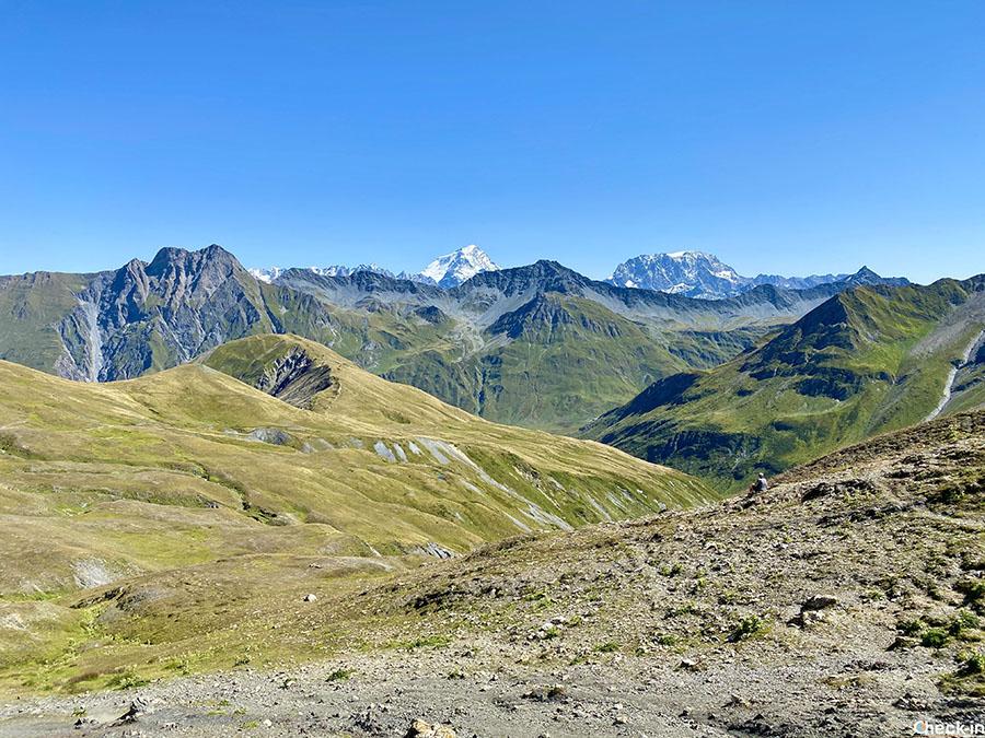 Cervino e Monte Rosa visti dal Colle Gran Ferret (Courmayeur)