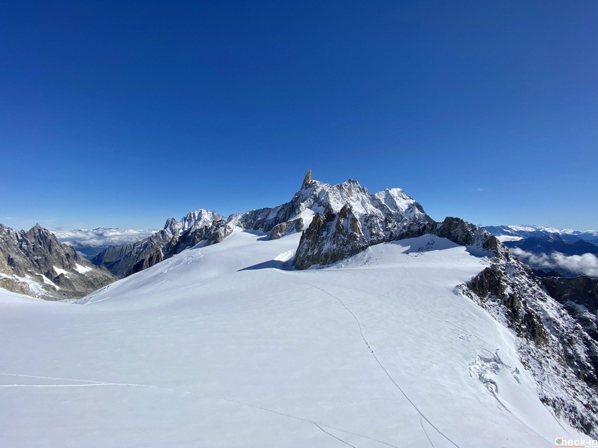 Panorama a quota 3.466 m con vista sul Dente del Gigante - Massiccio del Monte Bianco, Courmayeur