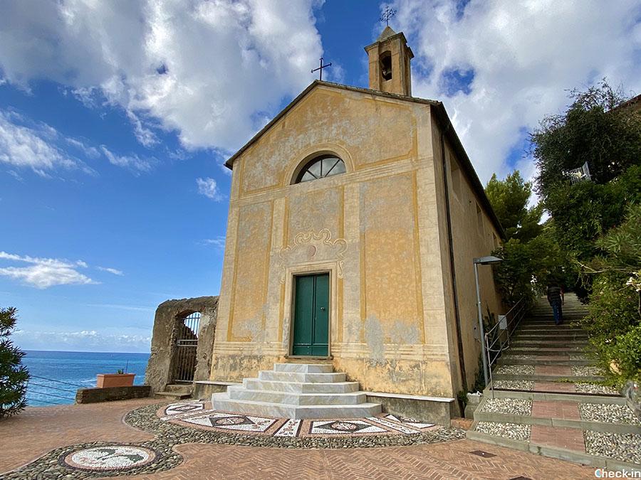 Monumenti di Bonassola: ex Oratorio di Sant'Erasmo vicino alla spiaggia