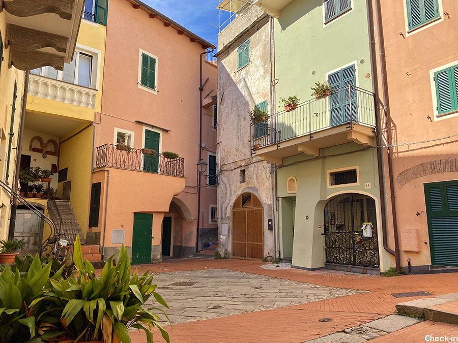 Itinerario alla scoperta del centro storico di Loano - Liguria, provincia di Savona
