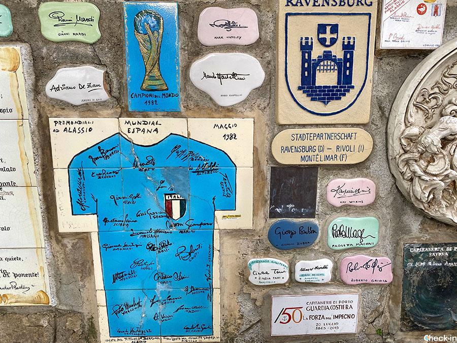 Firme di personaggi illustri sul Muretto di Alassio: Italia Campione del Mondo a Spagna '82
